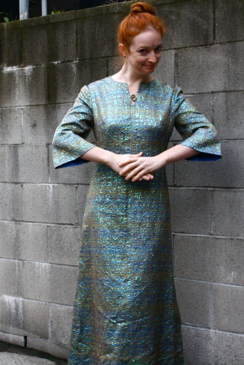 New Dress A Day - DIY - Vintage Dress - Iridescent Times!