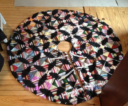 New Dress A Day - Vintage Quilt - DIY Holiday Tree Skirt