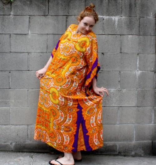New Dress A Day - DIY - Vintage Paisley Dress