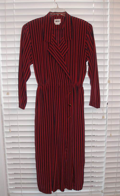New Dress A Day - Goodwill - thrift store shopping - vintage striped dress