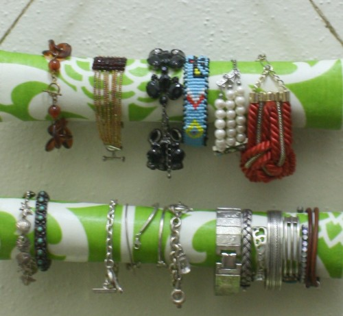 New Dress A Day - DIY - Hanging Bracelet Organizer