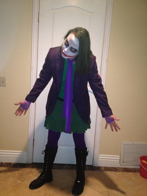 New Dress A Day - DIY Halloween Costume - Joker - Batman