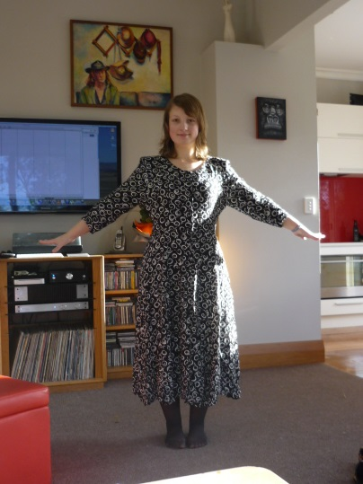New Dress A Day - DIY - Vintage Dress - thrift store shopping