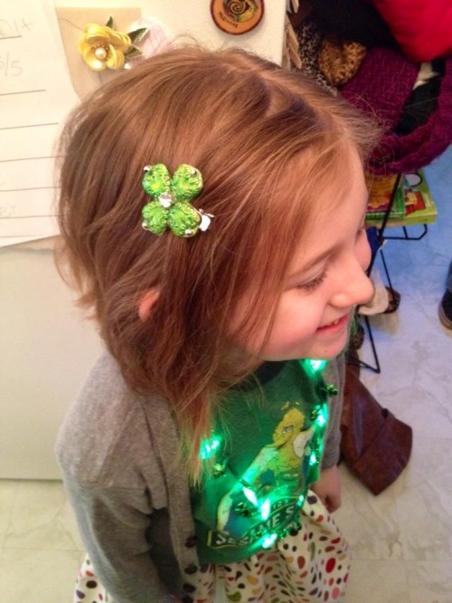New Dress A Day - DIY - Shamrock Hair Clips