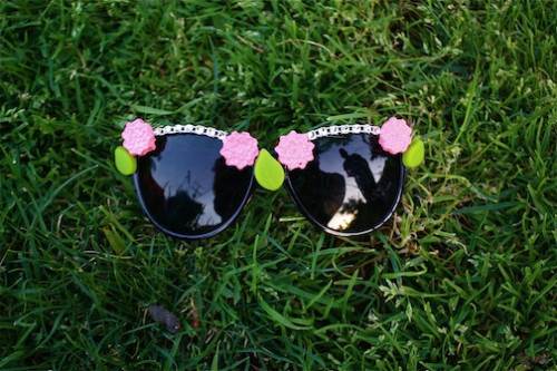 Tarina Tarantino DIY sunglasses - New Dress A Day