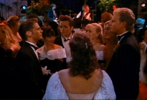Beverly Hills, 90210 - Kelly Prom Dress