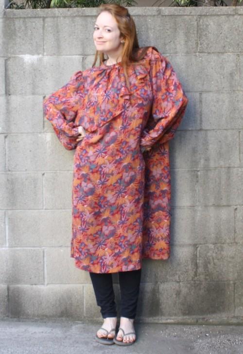 bd298b406222 New Dress A Day - DIY - Vintage winter floral dress - clown collar -  Goodwill