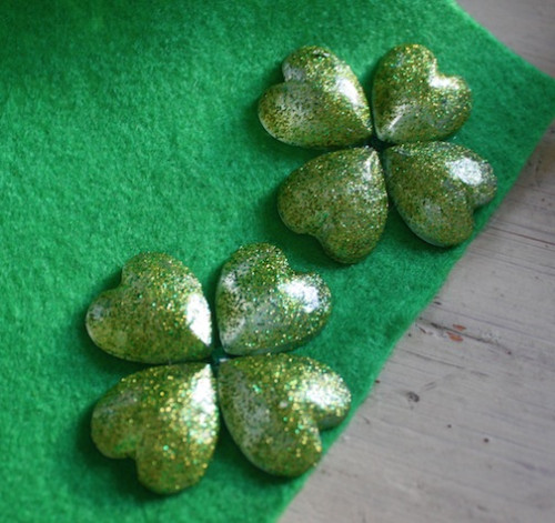 DIY - New Dress A Day - Shamrock Shoe Clips
