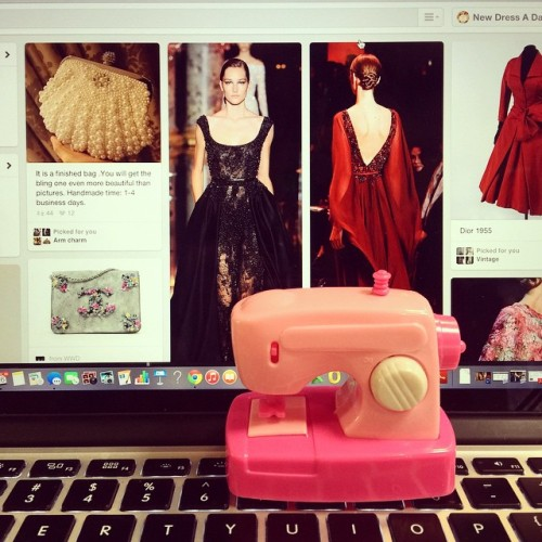 New Dress A Day - mini sewing machine