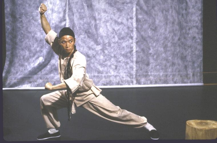 演员马泰(Tzi Ma)。照片为Martha Swope为公共剧院所拍摄,图片来源:纽约公共图书馆。