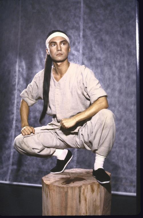 演员尊龙John Long。照片为Martha Swope为公共剧院所拍摄,图片来源:纽约公共图书馆。