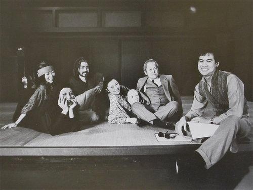 Natsuko Ohama, Ching Valdes-Aran, John Long(尊龙), Elizabeth Sung, Victor Wong, 和黄哲伦。摄影:Martha Swope.
