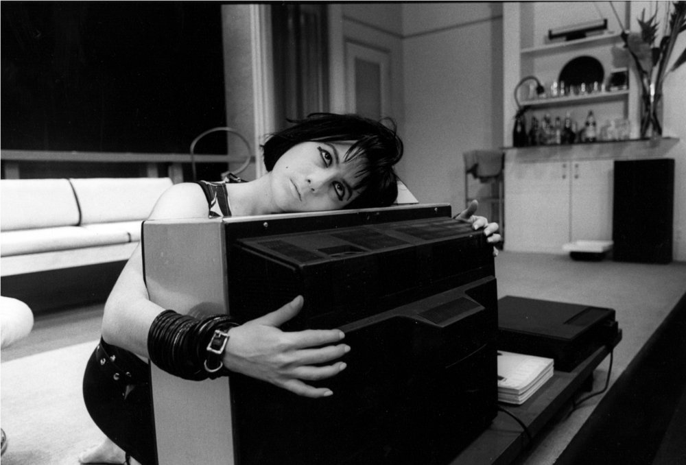 Johann Carlo在 《富贵关系》 于纽约第二舞台剧院的演出中, 1986年。摄影:Stephanie Saia