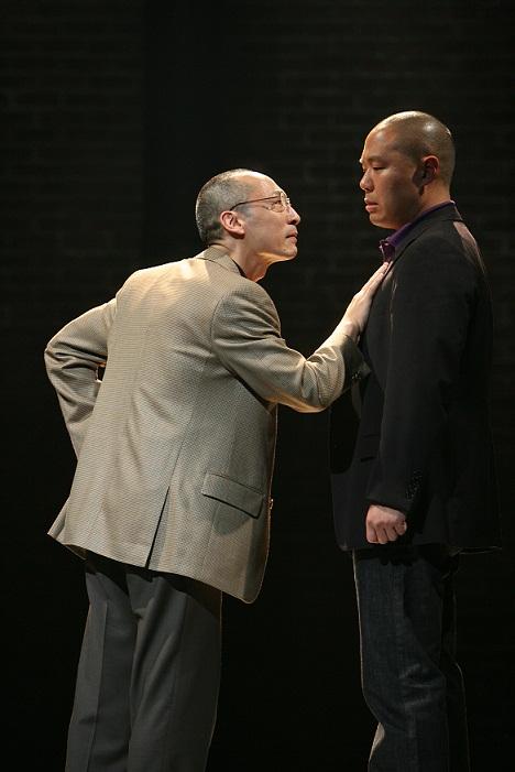 Francis Jue 和 Hoon Lee。Michal Daniel 2007年摄于公共剧院。