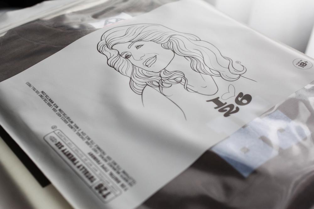 t26_font-bag_girl_03_2500w.jpg