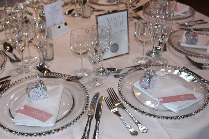 'Understated Elegance' table setting