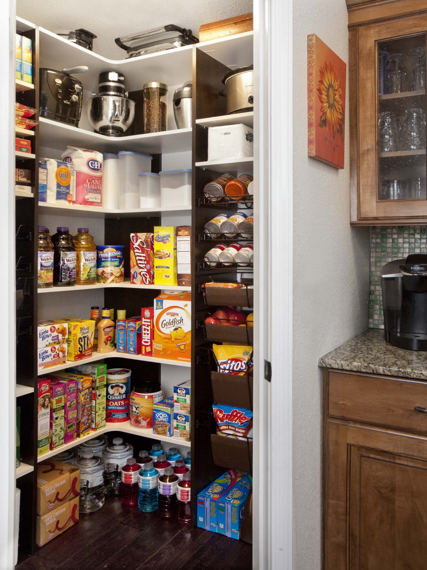 Walk In Pantries Vs Cabinet Pantries South Coast Organizers Lifetime Warranty Custom Closets Garage Cabinets Home Offices Laundry Rooms Entry Ways More