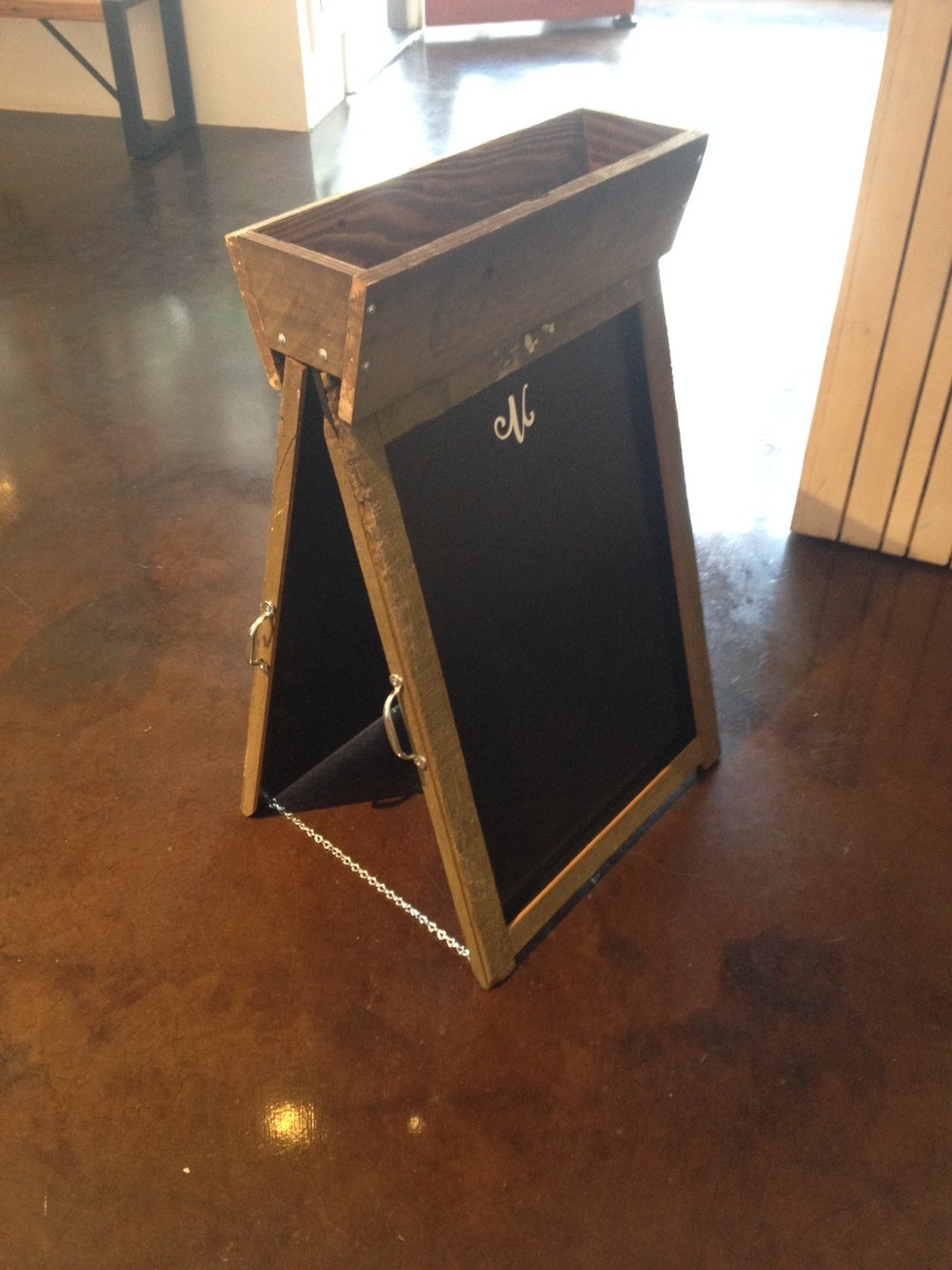 Travel/Trade Show Chalk Board w/ Removable Planter
