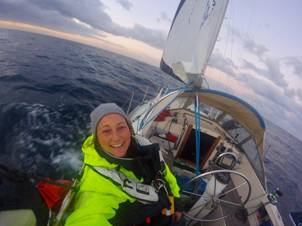 Jeg vet ei kaptein som blir lykkelig av å oppdage at hun elsker å seile. Hver gang.