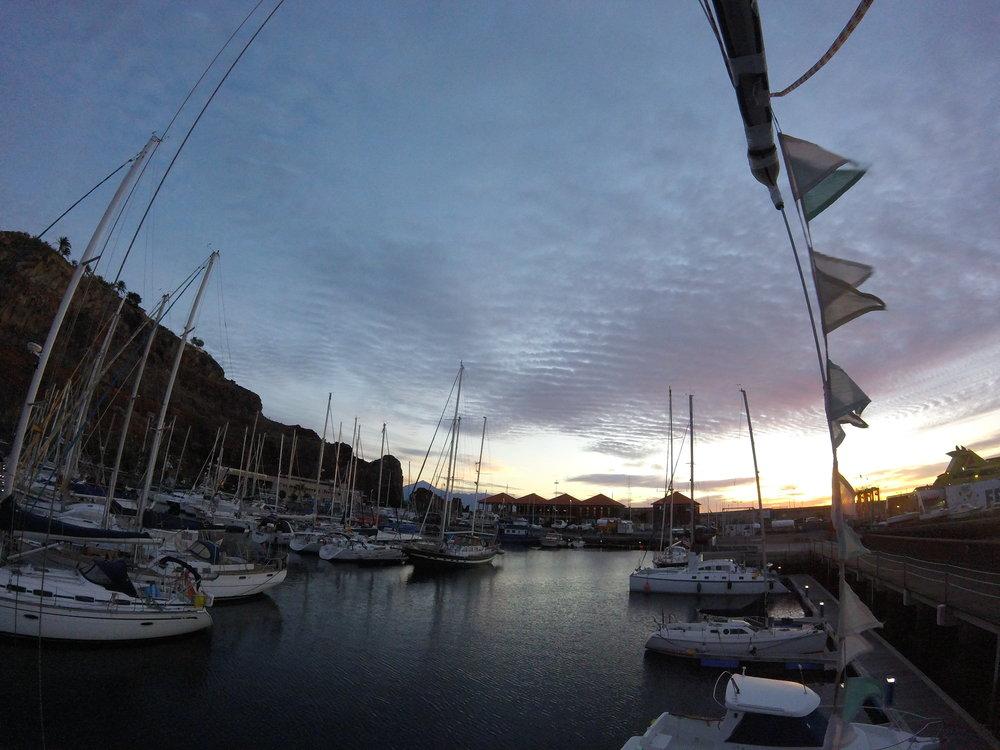 Morgenstemning over marinaen i San Sebastian, La Gomera.