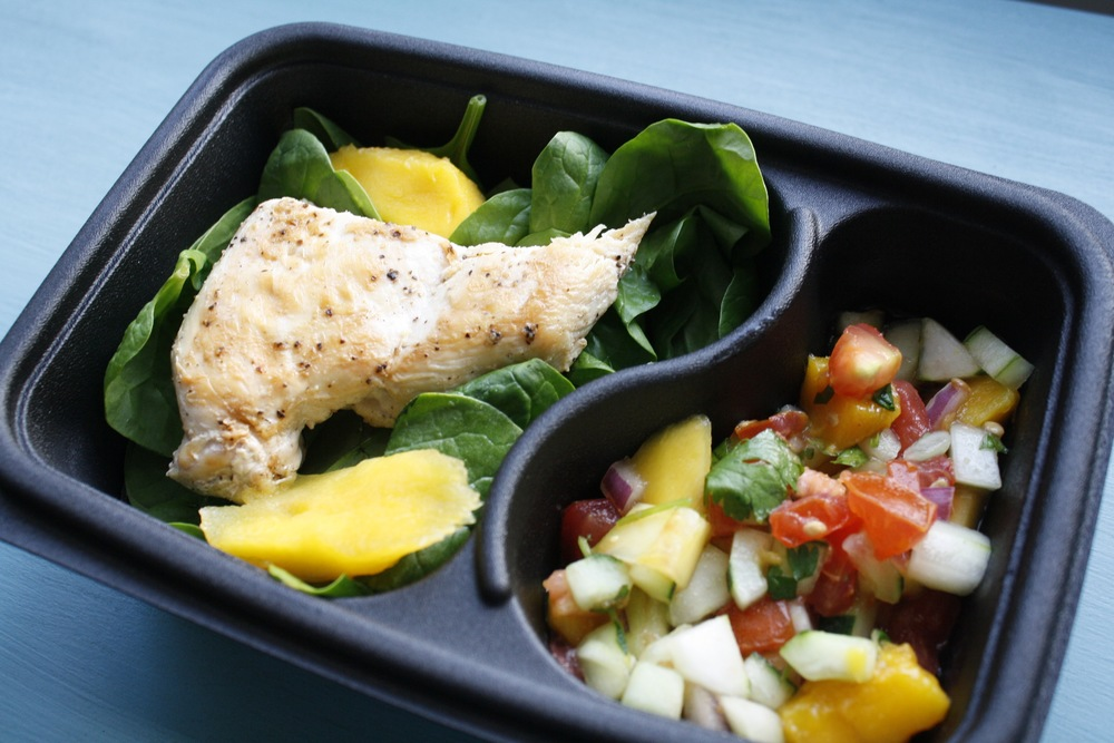 Baby Green Salad with Pan Seared Chicken and Mango Pico de Gallo