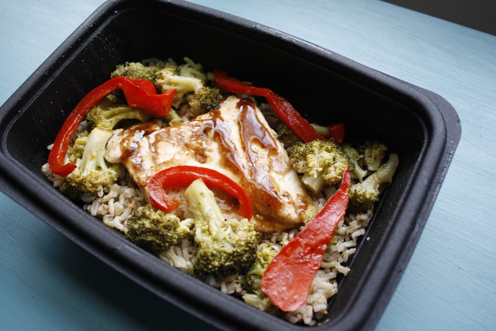 Balsamic Chicken over Sautéed Broccoli, Sautéed Red Peppers, and Basmati Rice One serving: 28g protein, 31g carbs, 16g fat (384cal)