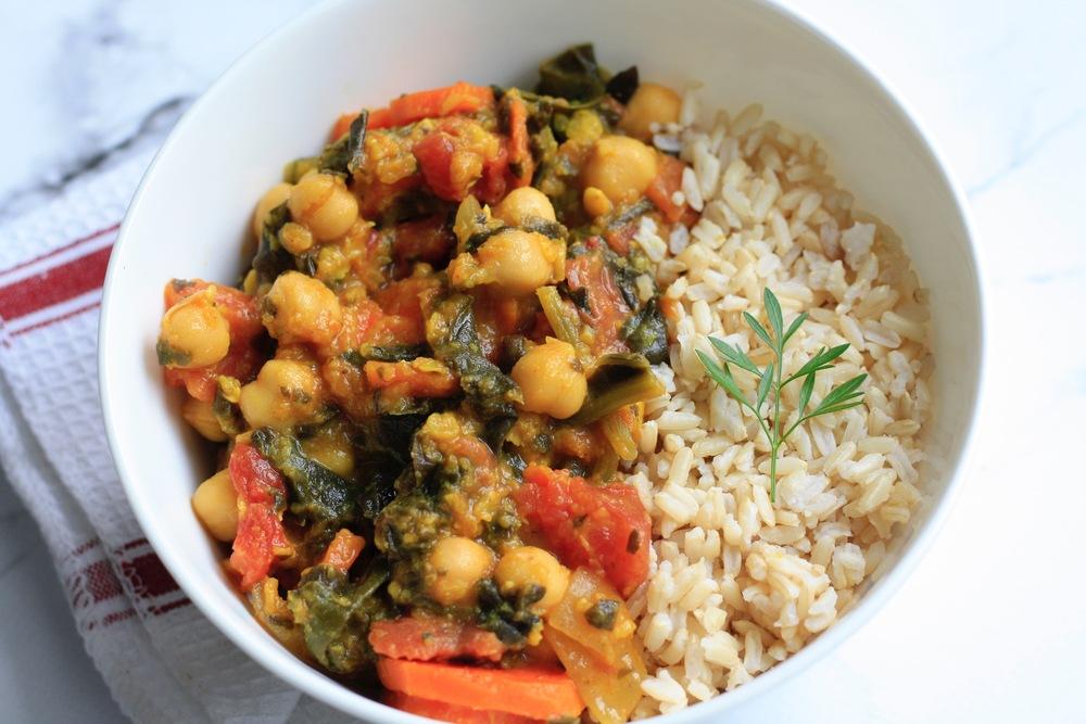 Sambar with Brown Rice Ingredients: Organic lentils, organic carrots, organic tomatoes, organic spinach, organic onions, organic chickpeas, brown rice, coriander, cumin, turmeric, garlic, ginger, cardamom, sea salt, cayenne