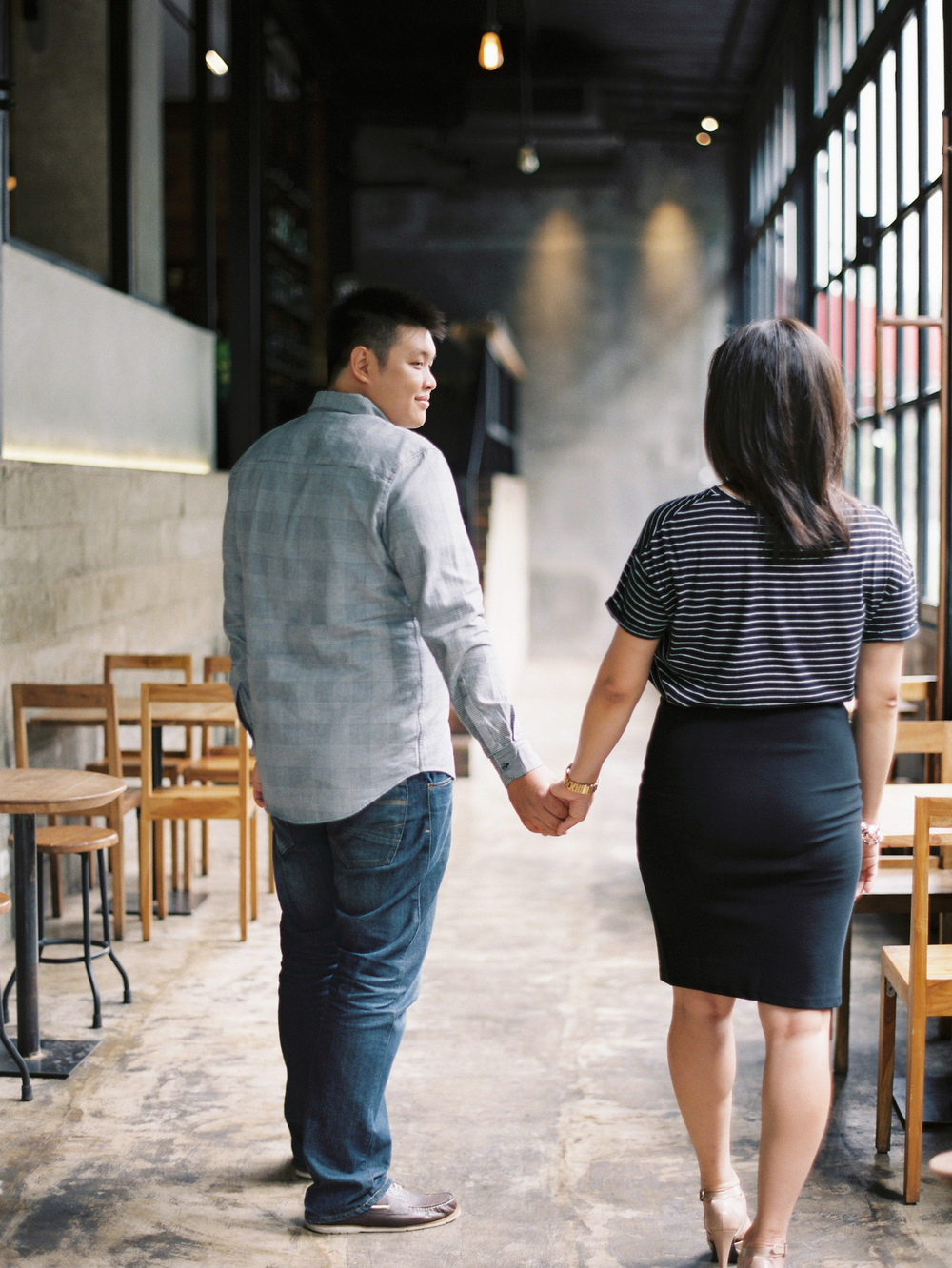 Indoor-Coffee-Shop-Prewedding-Jakarta-7.jpg