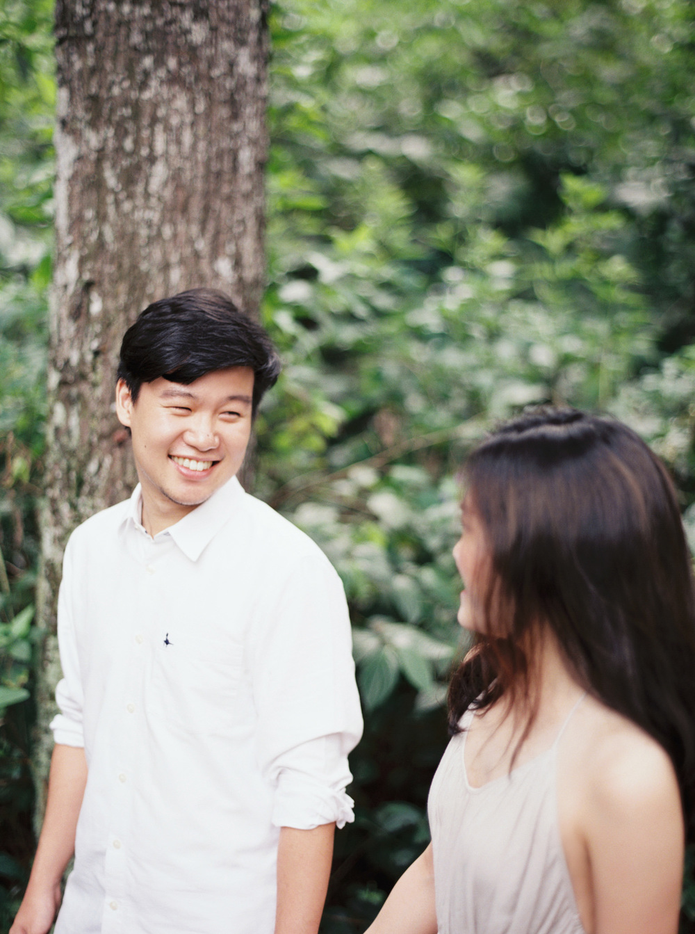 5-nature-outdoor-forest-prewedding-jakarta.jpg