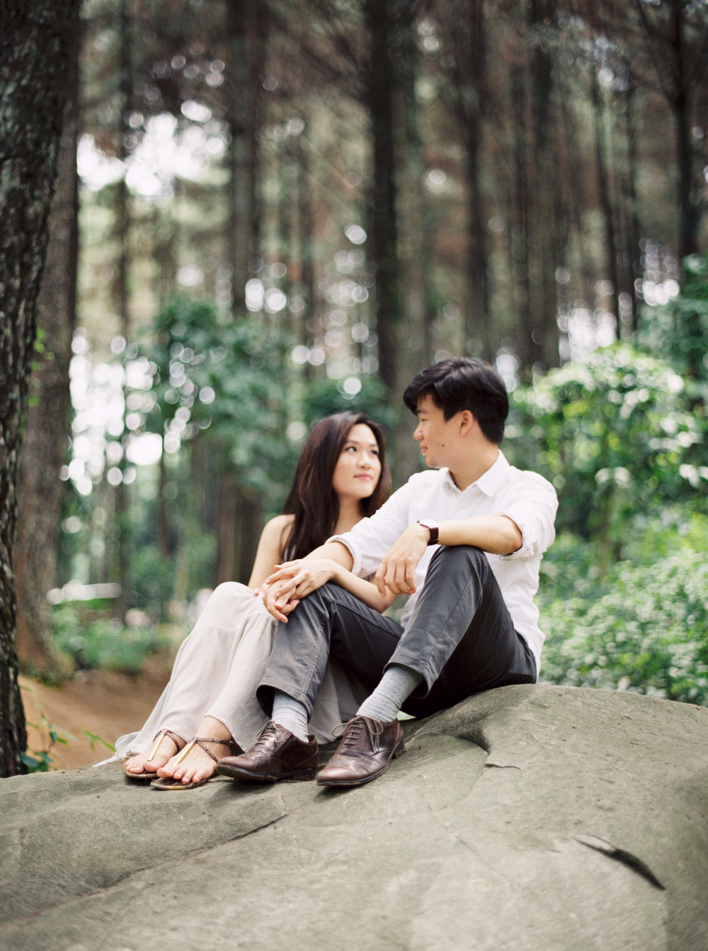 9-nature-outdoor-forest-prewedding-jakarta.jpg