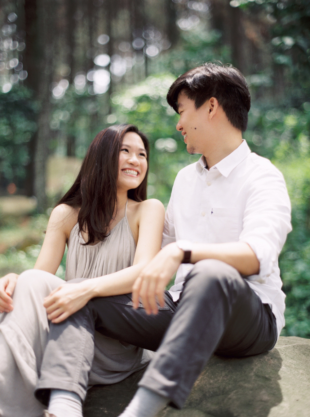 10-nature-outdoor-forest-prewedding-jakarta.jpg