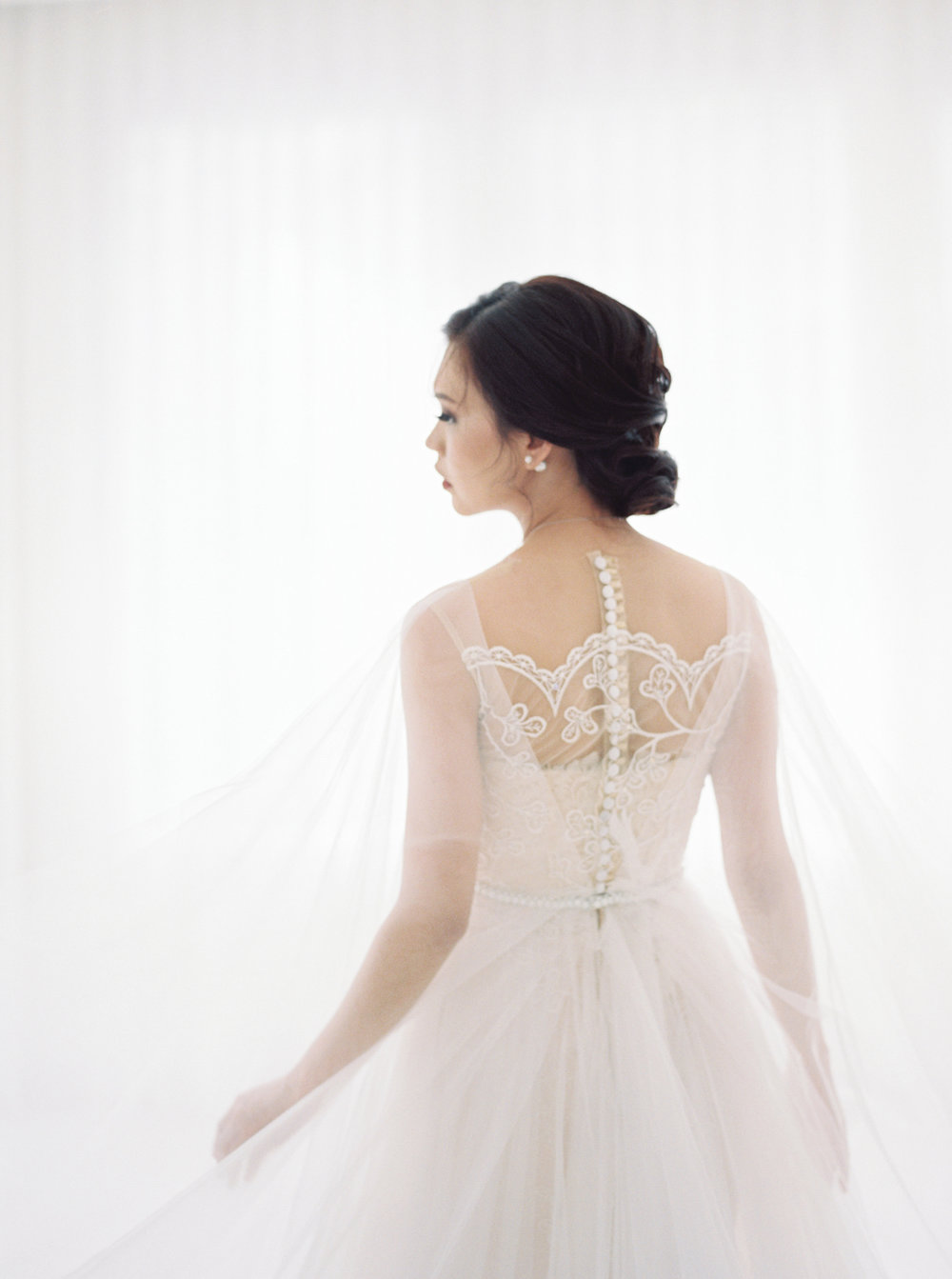 happy-ethereal bridal portrait-studio june-bramanta wijaya-mila wijaya-11.jpg