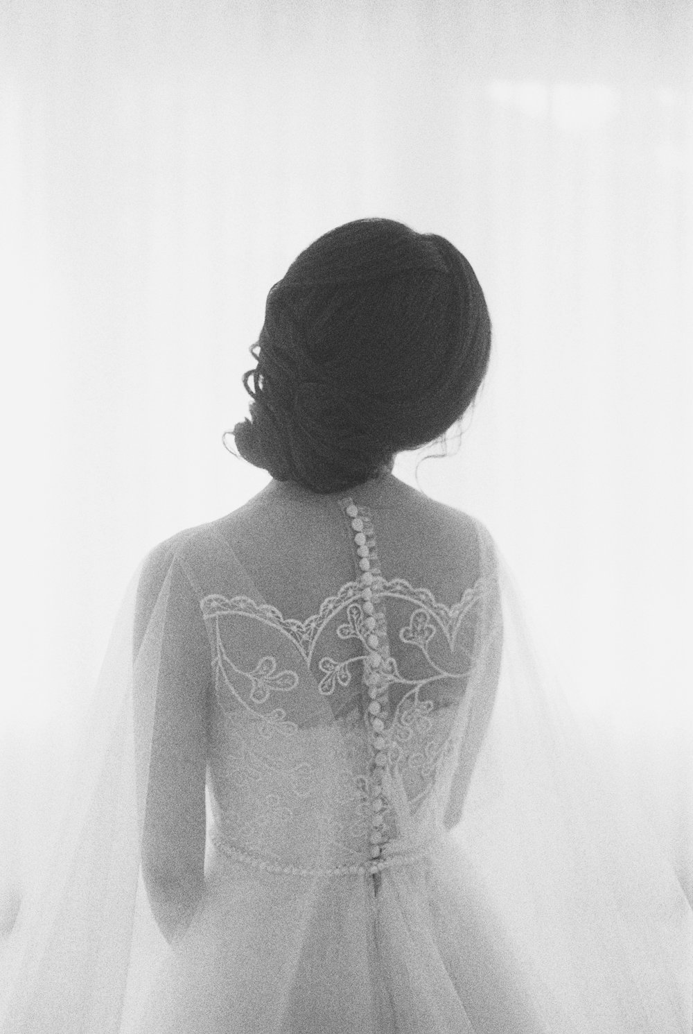 happy-ethereal bridal portrait-studio june-bramanta wijaya-mila wijaya-13.jpg