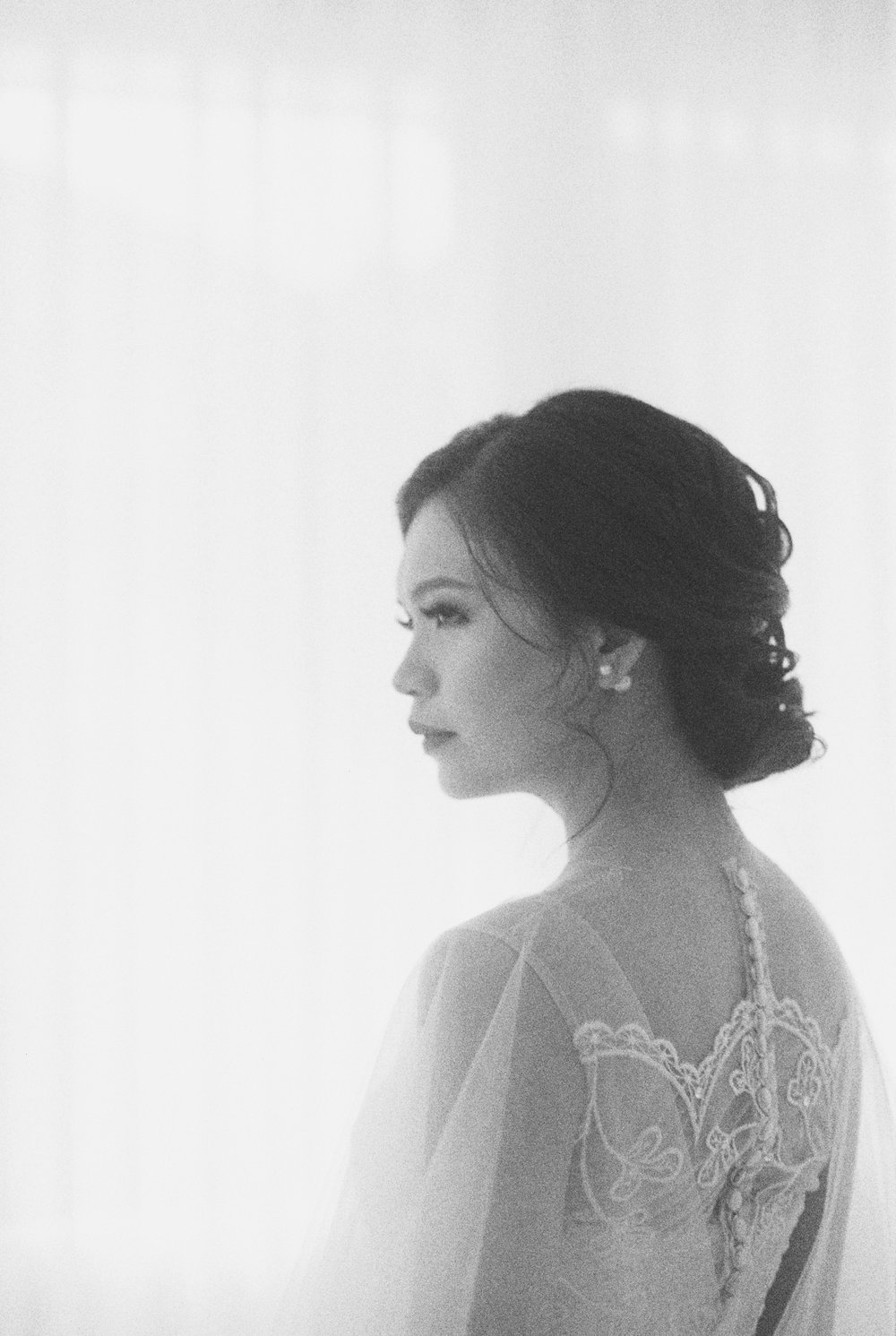 happy-ethereal bridal portrait-studio june-bramanta wijaya-mila wijaya-14.jpg
