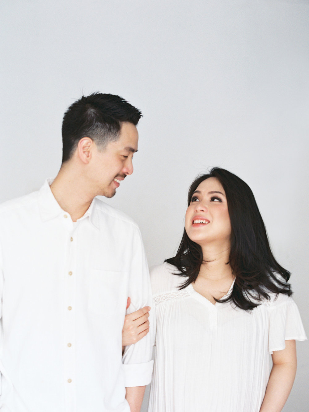 Gaby and Tim-Relaxed-Airy-Simple-Maternity Portrait Photoshoot-At Home-Jakarta-Studio June-Film Photography & Styling-26.jpg
