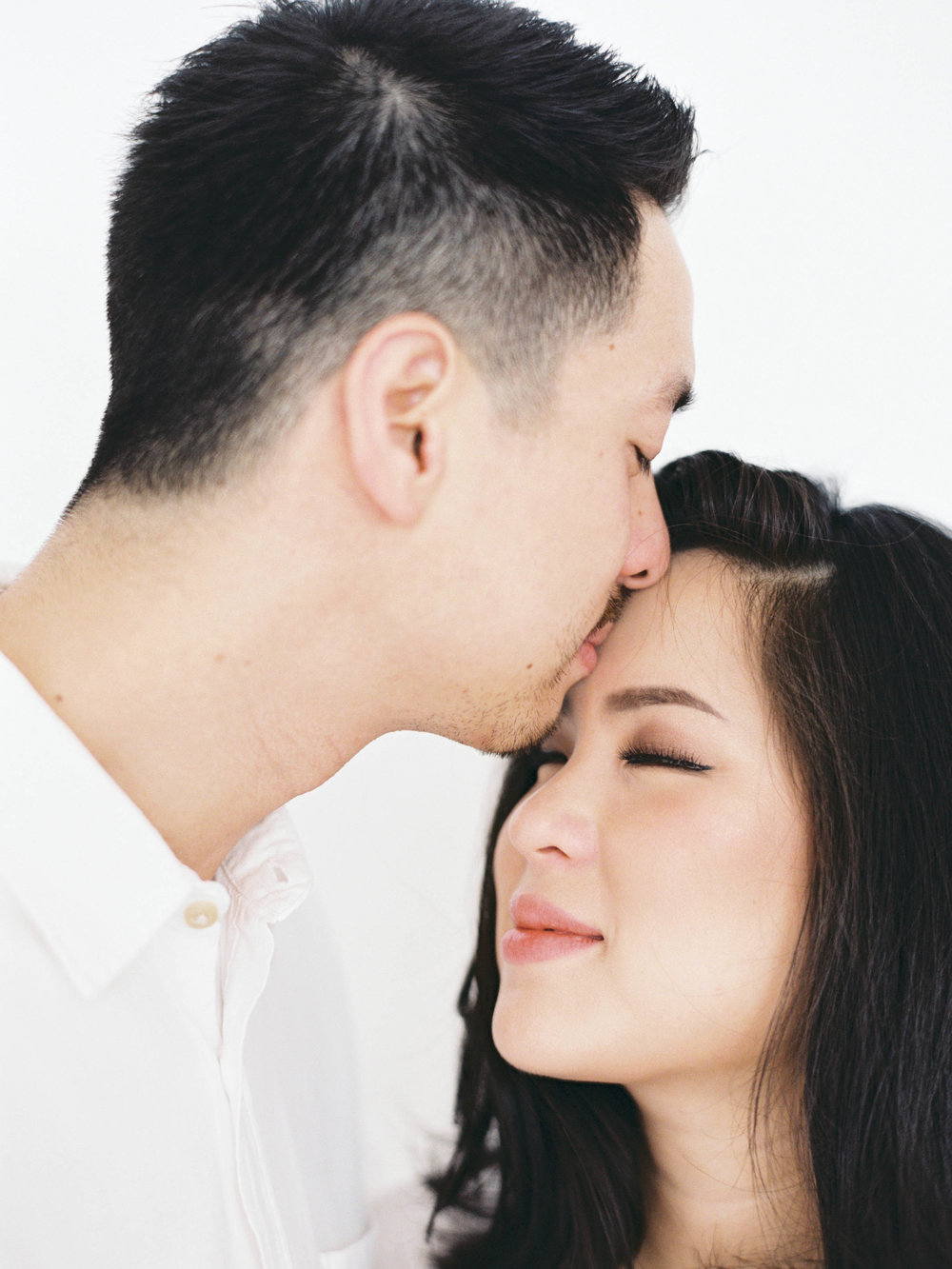 Gaby and Tim-Relaxed-Airy-Simple-Maternity Portrait Photoshoot-At Home-Jakarta-Studio June-Film Photography & Styling-36.jpg