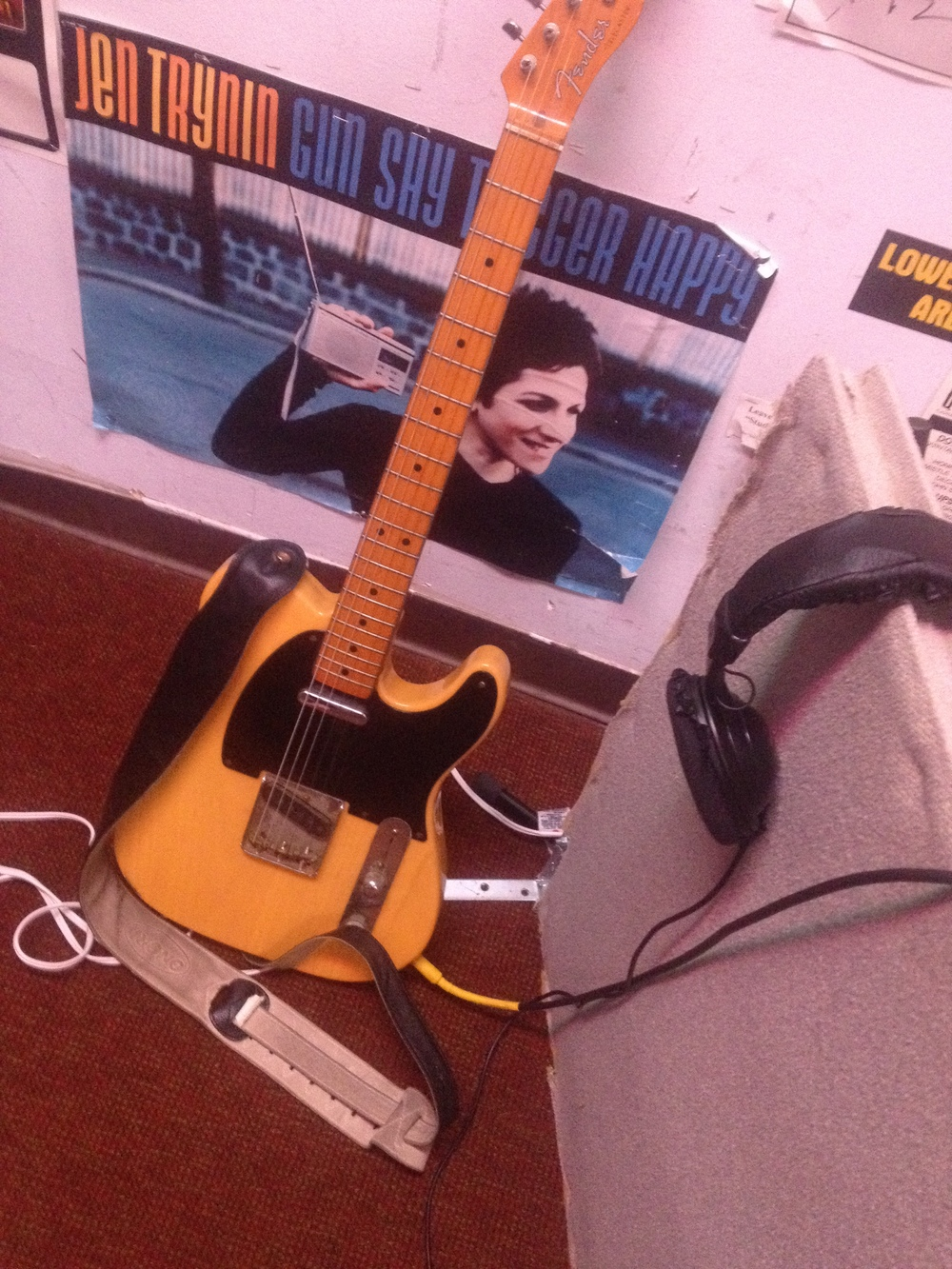 guitar jen.jpg