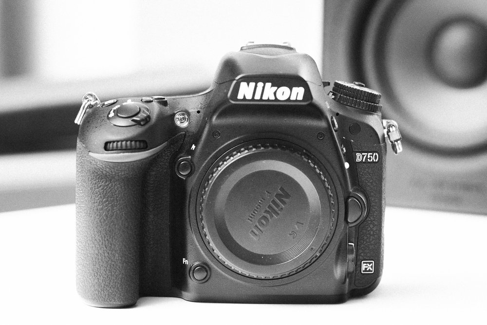Full Frame DSLR - No.3