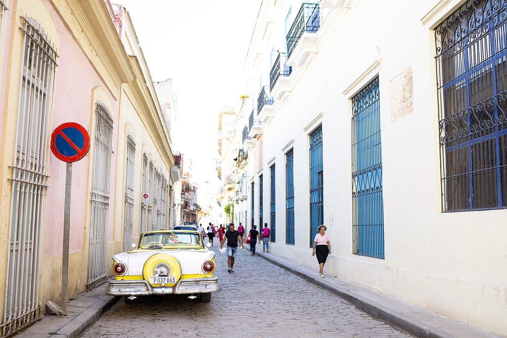 Old chevy in Havana cuba