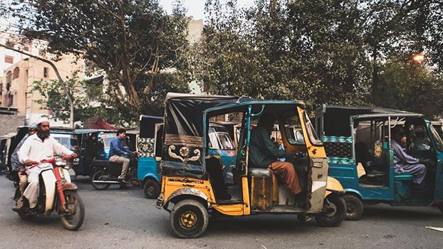 Traffic - order on the streets, assumed safety from point A to B - is not a thing here. Every minute in a car feels like you're in #Jumanji, you don't know what's waiting for you around the corner. Maybe a bus overflowing from within, with people young and old pilled on top? Or a scooter made for two cramming a family of five, the mom holding a new born on one shoulder and a diaper bag on the other?  Visiting my family in #Karachi easily quenched my desire to explore a culture that in every way juxtaposed how I grew up, and I can't wait to go back and explore the rest!  #nayapakistan #imrankhanpti #zkltravels