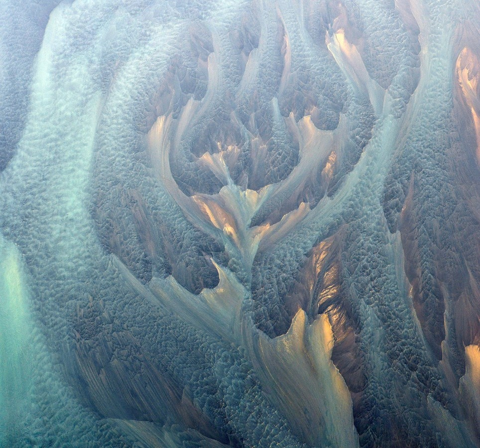 ethereal-pattern-of-the-real-river.jpg