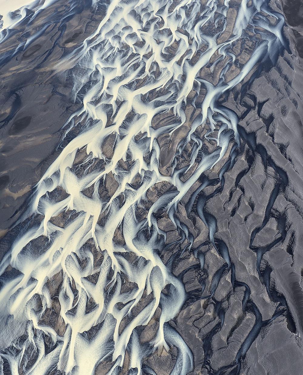 volcanic-river-iceland-andre-ermolaev-6.jpg