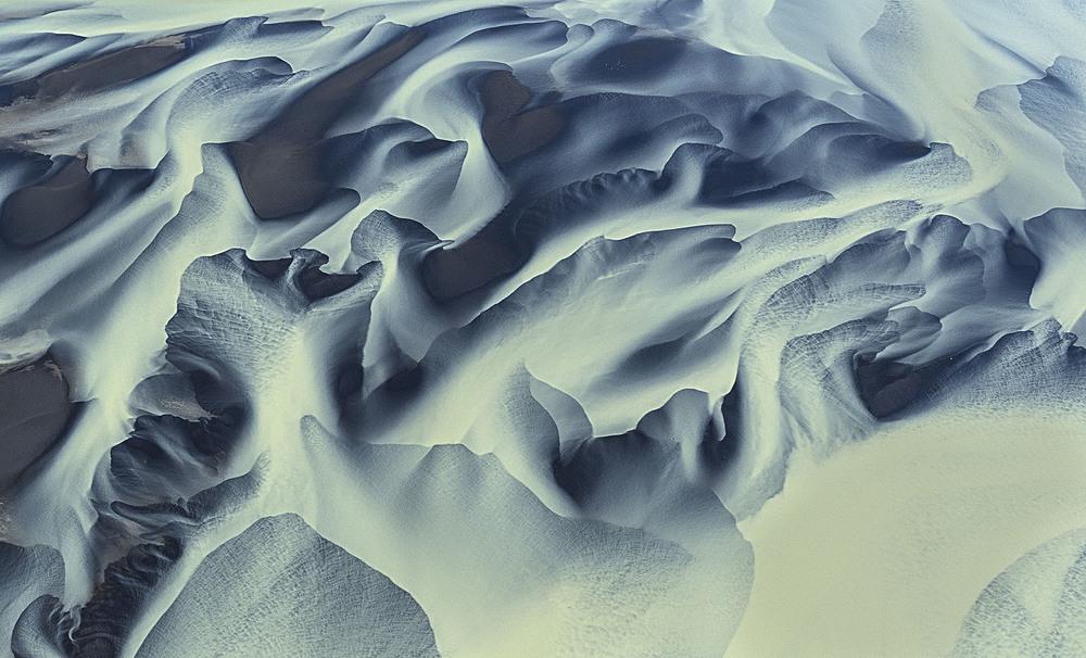 volcanic-river-iceland-andre-ermolaev-10.jpg
