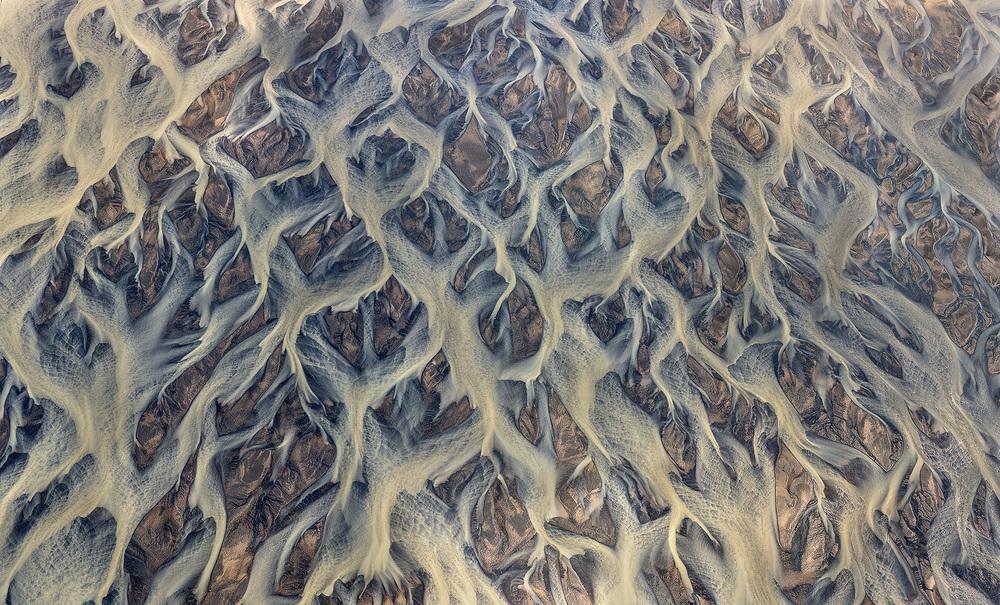 volcanic-rver-iceland-andre-ermolaev-9.jpg