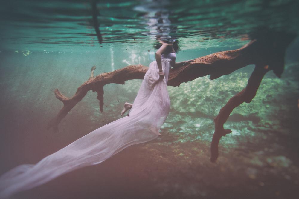 Andras Schram underwater.jpg