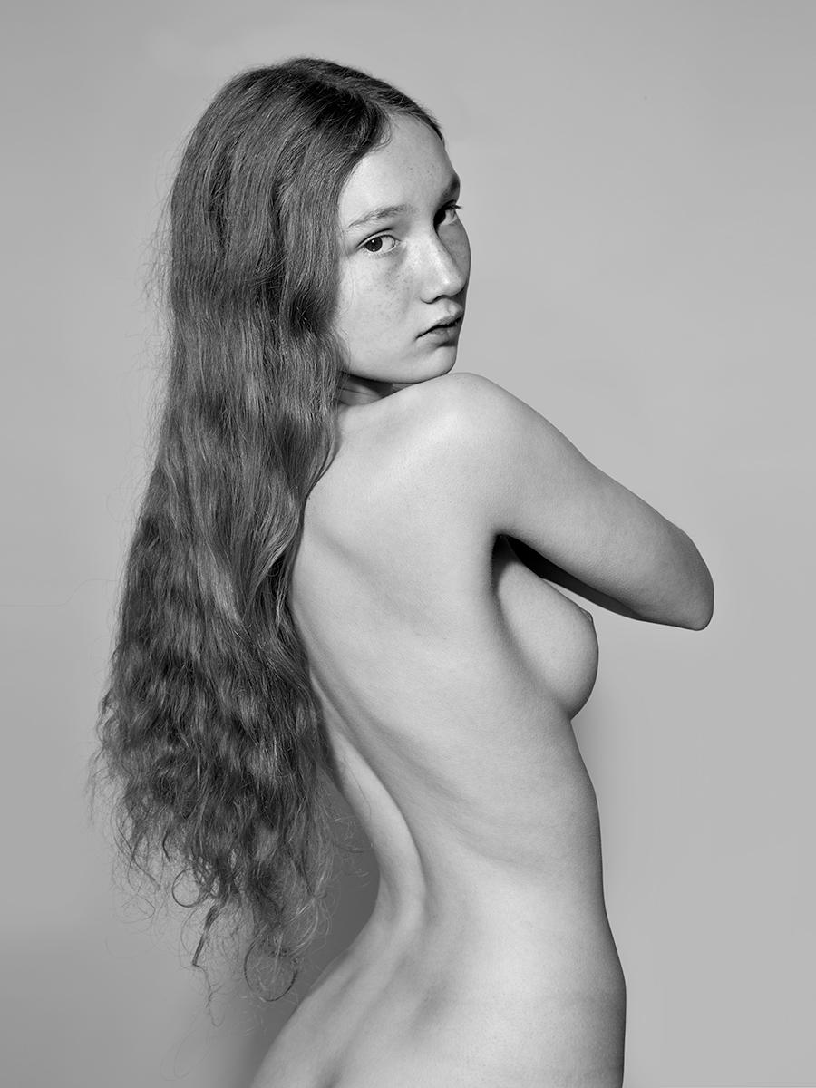 Sophia1200-2.jpg