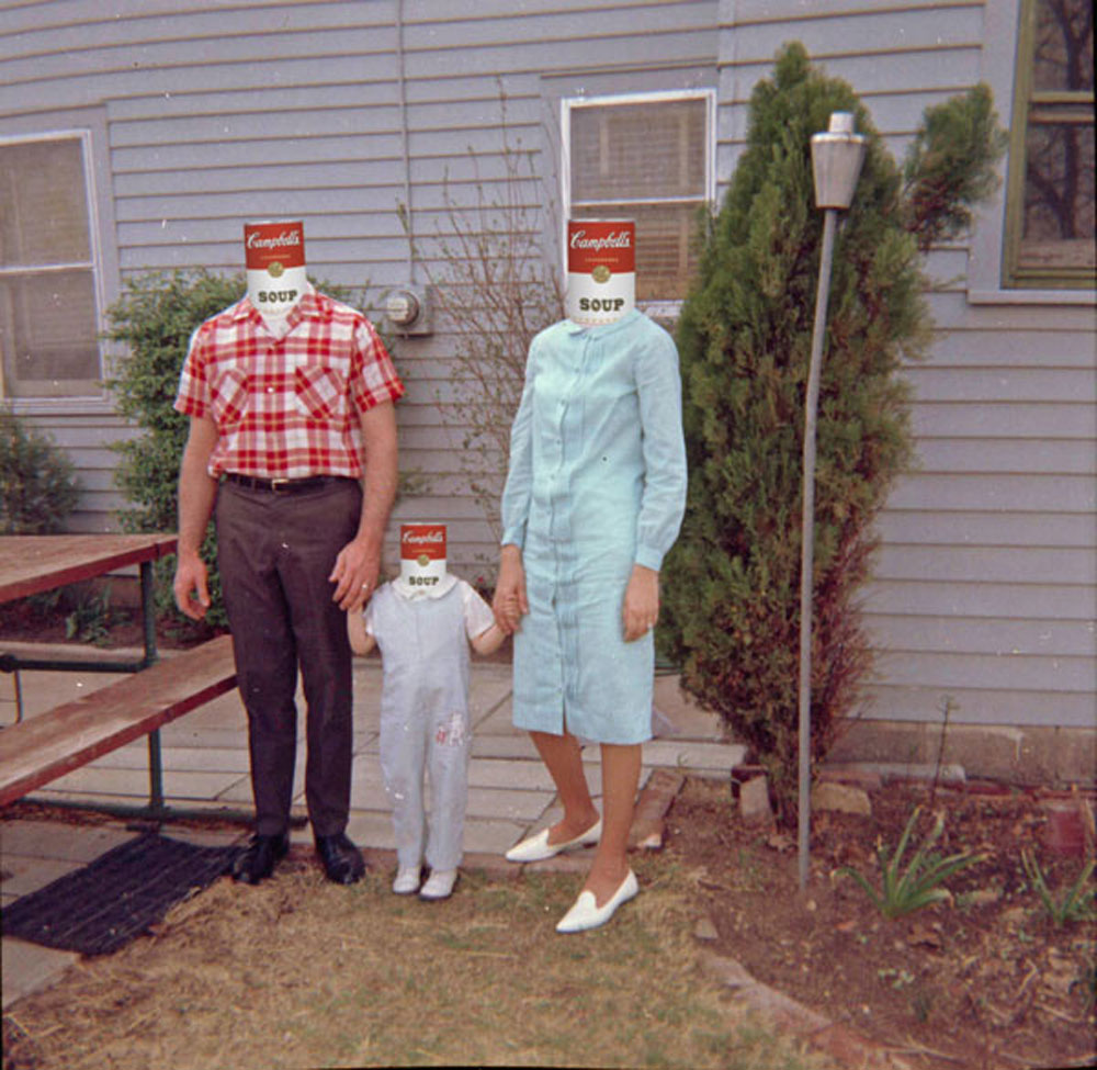 slip-mustache-Famille_Americaine.jpg