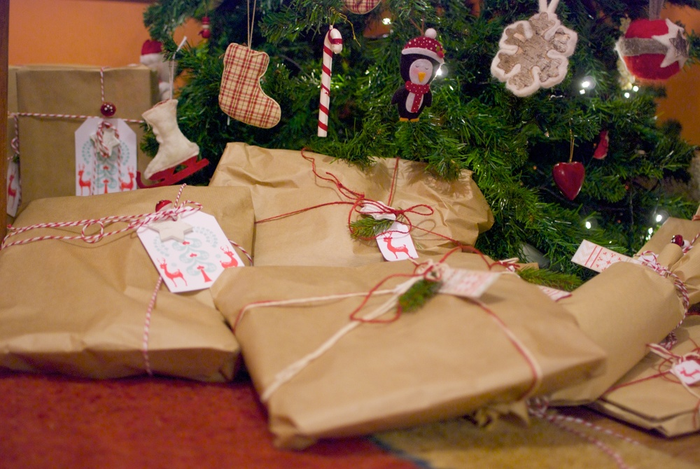 Regalos Navidad bajo el arbol