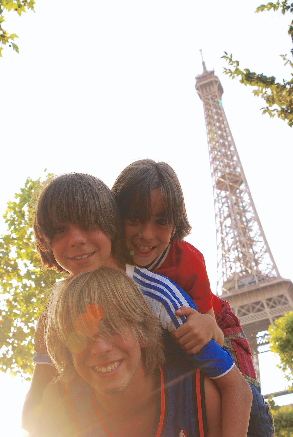 Con los niños en la Torre Eiffel