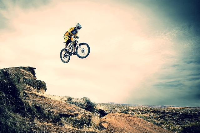 http://absfreepic.com/absolutely_free_photos/small_photos/mountain-bike-3888x2592_20139.jpg